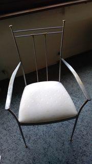 Stuhl mit Eisen Gestell
