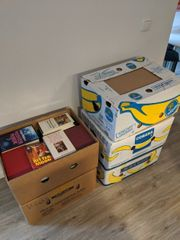 Fünf Bananenkisten Bücher aus Haushaltsauflösung