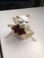 Katze aus Porzellan -