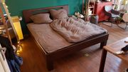 Bett aus Massivholz 1 8m