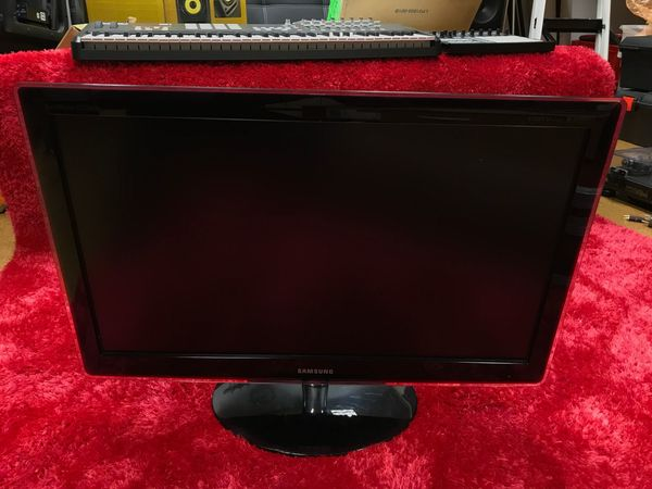 SAMSUNG Syncmaster P2770 HD in