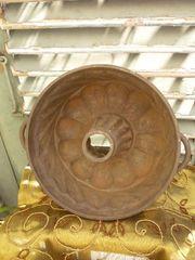 alte Gugelhupf Kuchen Backform aus