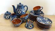 Kaffeeservice aus Keramik oder Ton