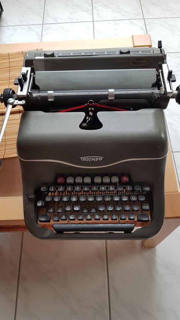 Schreibmaschine Triumph alt