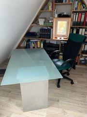 Schreibtisch - 2 Blechcontainern und Glasplatte