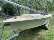 Segelboot mit Hänger
