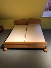 Massivholz Bett mit zwei verstellbaren