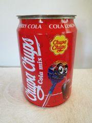 Riesige Coca-Cola Dose leer l