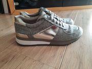 Michael Kors Sneaker in Gr