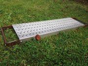 11 Treppenstufen aus Metall