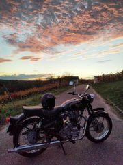 Historisches Motorrad für Fotoshooting zu