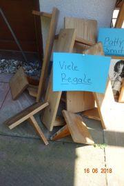 Verschiedene Kiefer-Holzregale zu verkaufen