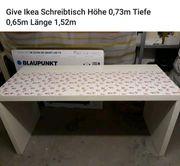 Schreibtisch von Ikea