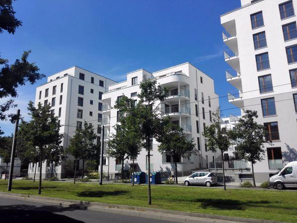 Vollmöblierte Helle 2 Zi Wohnung Zentral In Frankfurt