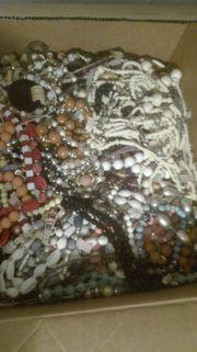 Verschiedene Halsketten ab 50 St