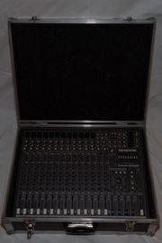 Mackie CFX 16 Mixer mit