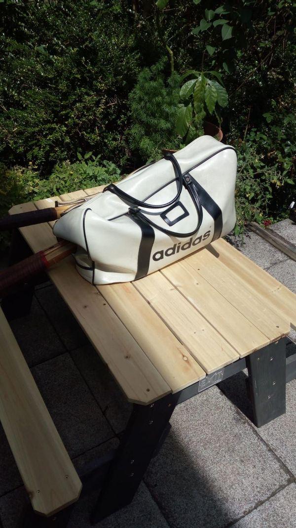 Retro - Tennis-Equipment aus den 1960ern