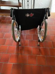 Rollstuhl B B Sitzbreite 54cm