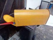Briefkasten gelb