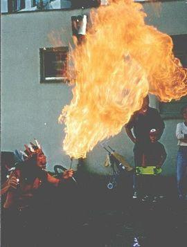 Stripper/-innen, Striptease - Striptease-Boy Frank m Feuershow 20cmx6cm