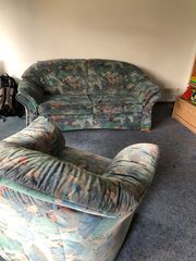 Retro-Schlafcouch mit passendem Sessel - sehr