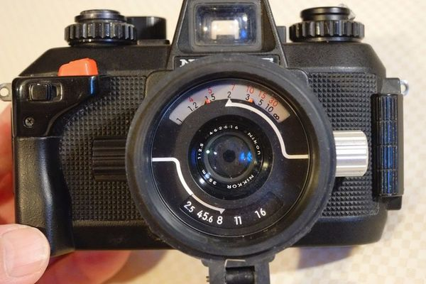 Nikon Unterwasserkamera Nikonos IV-A mit