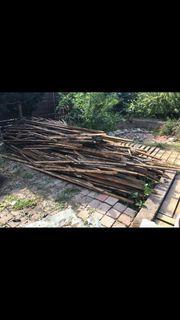 Dachlatten Brennholz gratis und trocken