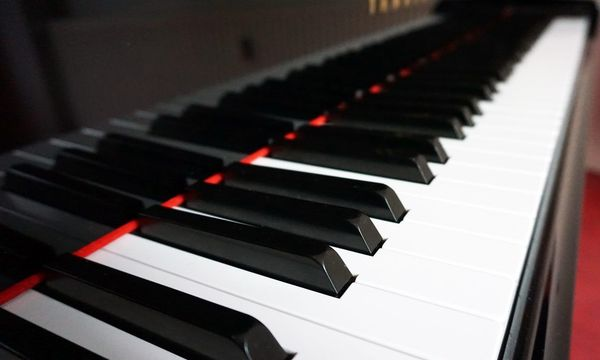 Online Klavierunterricht via Skype biete