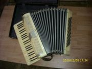 Perlmuttf Nostalgie-Akkordeon für Anspruchsvolle
