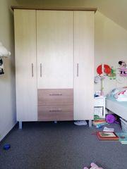 Kleiderschrankt für Kinderzimmer