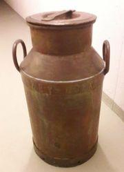 antike belgische Milchkanne