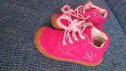 rosafarbene Kinderschuhe der Marke pucetti