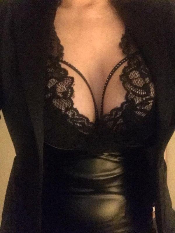 Eva bildhübsche schlanke Sexylady