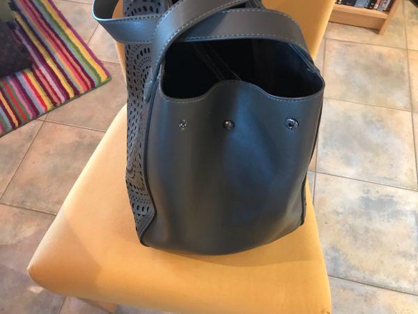 c5eb7530a9405 Neuwertige MEXX Tasche grau TOP