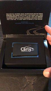 wie neu Carly Universal Adapter