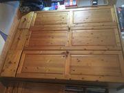 Holzkleiderschrank zu verschenken