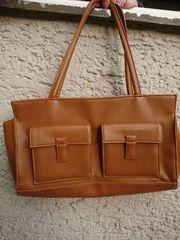 Handtasche und passende Geldbörse