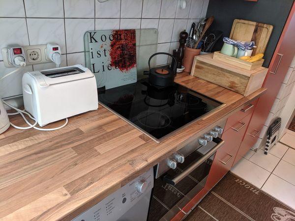 Gebrauchte Küche mit Herd/Ofen und Kühlschrank in Frankfurt ...