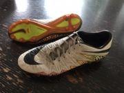 Nike Fußballschuhe mit Noppen