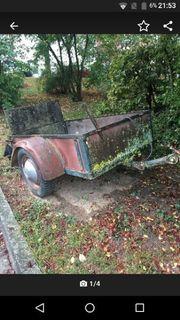 ein alter VW Anhänger ohne