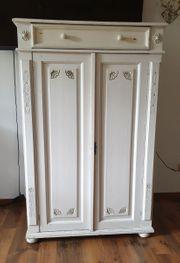 Kleiner Schrank 2 Türen 1