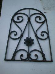 Fenstergitter Schutzgitter Eisengitter mit gewölbter