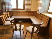 Eckbank mit 4 Stühlen