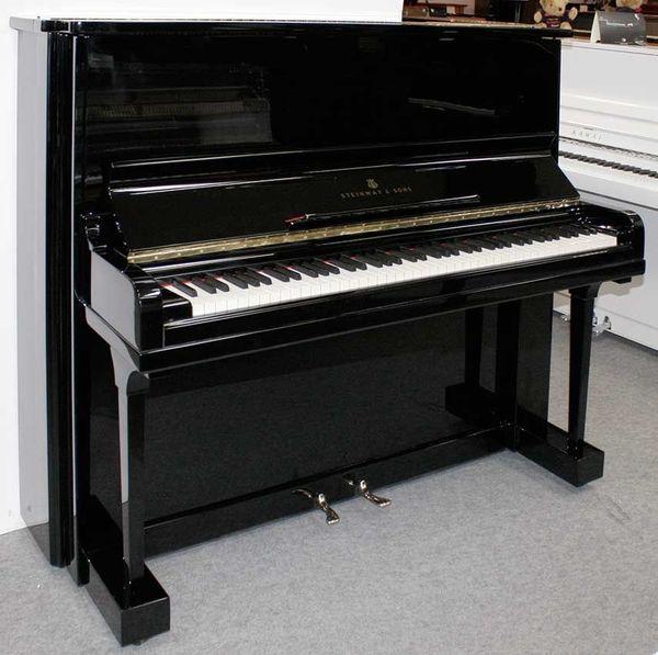Klavier Steinway Sons 130 K