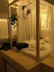 Echtholzbett und Stauraumwunder 140 x