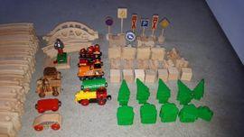 Eisenbahn Holz Set gross Schienen: Kleinanzeigen aus Lorsch - Rubrik Holzspielzeug