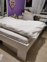 Futon Bett weiss
