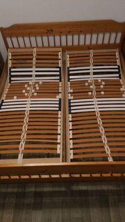 Doppelbett aus Kiefernholz ohne Lattenroste