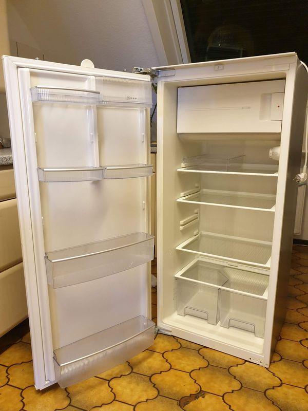 Einbau Kühlschrank mit Gefrierfach 122, 5 cm von Neff, geräumige 198 l, sehr leise, an Selbstabholer