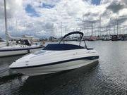 Motorboot Chaparral mit Innenboarder 4